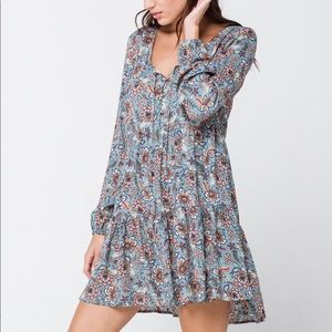 Sky and Sparrow Floral Henley Babydoll Dress